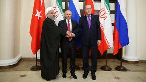 """Путин, Ердоган и Рохани свикаха """"народен конгрес"""" за реформи в Сирия и увериха, че ще има честни избори"""