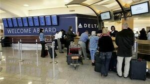 Спиране на тока предизвика хаос на най-натовареното летище в света