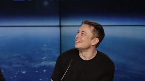 """Илон Мъск изтри профилите на Tesla и SpaceX от """"Фейсбук"""""""
