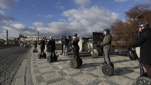 Прага забрани велосипедите в Стария град