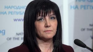 Президентът да каже да спрем ли санирането и магистралите, призова Цвета Караянчева