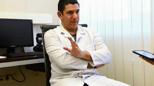 Петьо Брезоев, дерматолог: От пъпки никой не е умрял, но понякога остават травми за цял живот