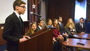 Клубът на младите българи в чужбина кани видни политици да обявят заедно края на прехода