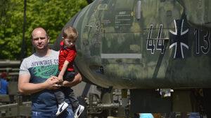 Фотогалерия: Денят на бащата във Военноисторическия музей