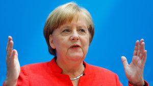 Меркел избегна правителствена криза, но е изправена пред ултиматум за мигрантите