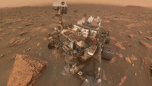 """Селфи на деня: """"Кюриосити"""" посред огромна пясъчна буря на Марс"""