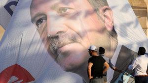 Ердоган поръчва музиката, но оркестърът може и да не го послуша
