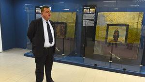 """След напрежение между полицаи и роми Каракачанов поиска """"маргиналите да се поставят на място"""""""