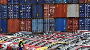 САЩ биха изгубили 367 хил. работни места от мита за вносните коли, сочи доклад
