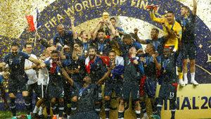 Франция стъпи за втори път на световния връх след паметен финал с Хърватия