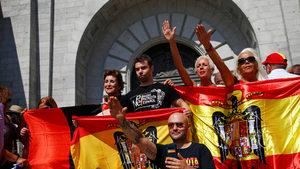 Испанци протестираха срещу плана за преместване на останките на Франко
