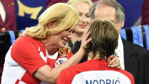 Чарът на световното: феновете се влюбиха в хърватския президент