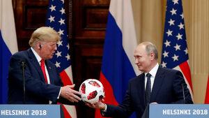 Хелзинкски гастроли: Путин и Тръмп в ролята на средновековни царе