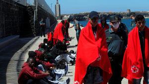 Испания измести Италия по брой на приети мигранти, прекосили Средиземно море