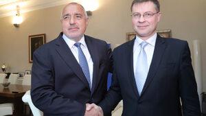 България може да приеме еврото три години след постъпване в чакалнята, смята зам.- председател на ЕК