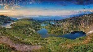 През пет планини. Пътеводител за Е4 в България (откъс)