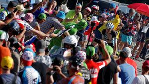 """Алп д'Юез - колоездачният """"Уембли"""", който събира милион зрители по шосето"""