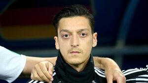 """Йозил обяви, че напуска националния тим на Германия заради """"расизъм и неуважение"""""""
