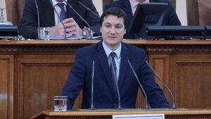 БСП иска оставката на Цецка Цачева заради проблема с Търговския регистър