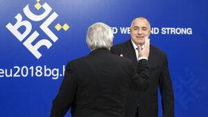 Борисов води двойна игра, българите не излизат на протести и защото медиите им са в това състояние