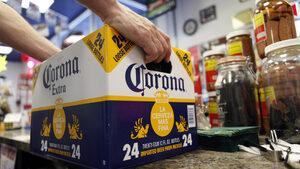 """Производител на бира влага $4 млрд. в бизнес с """"течна марихуана"""" в Канада"""