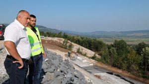 Борисов очаква след година и малко още 16 км магистрала в Шуменско (видео)