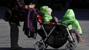 """Китайците с малко деца да плащат вноски във """"фонд за размножаване"""", предложиха учени"""