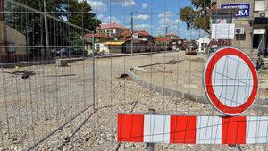 "Движението по бул. ""Христофор Колумб"" се пуска в понеделник, ремонтът на ""Графа"" се бави"