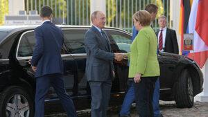 """Меркел поиска от Путин Украйна да транзитира руски газ и след """"Северен поток"""" 2"""