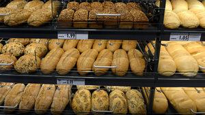 Абсурди и истерии заради цената на хляба