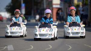 Фотогалерия: Деца и уличното движение