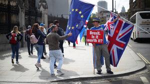 Имигрантите от ЕС не трябва да ползват преференции след Брекзит, се посочва в доклад