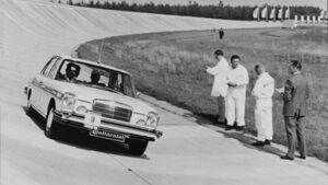 """""""Континентал"""" отбеляза 50 години автономно шофиране"""