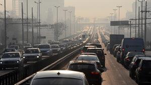 Близо 84% от българите предпочитат да се придвижват с автомобил