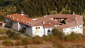 Четирима души са привлечени като обвиняеми за опита за обир в Роженския манастир
