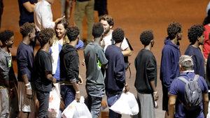"""""""Пю"""": Три години след кризата голяма част от европейците подкрепят приема на мигранти"""