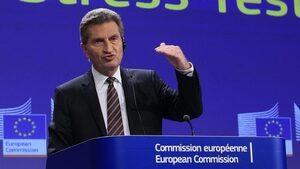 Йотингер остро критикува страните, които не искат да увеличат вноските си в бюджета на ЕС