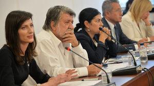 Дискусията по закона на Пеевски за медиите мина формално, със заявки за добри намерения