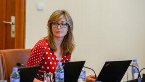 България е първа в ЕС по дял на жените в ИТ сектора, похвали се Екатерина Захариева