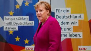 Меркел призова колегите си в управлението да спрат със споровете и да помислят за хората
