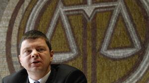 Кандидатът на ГЕРБ остана единствената парламентарна номинация за Конституционния съд