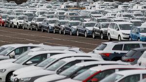 Плановете на европарламента за вредните емисии не отчитат реалността, смятат производителите на автомобили