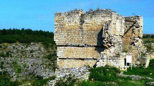 Крепост Червен