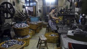 Забавянето на китайската икономика за третото тримесечие е рекорд от 2009 г. насам