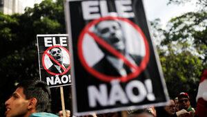Гневните жени едва ли ще спрат Болсонаро да стане президент на Бразилия