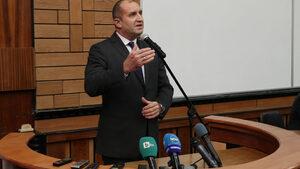 Румен Радев намекна, че не изключва възможността за президентска република