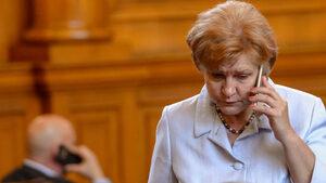 """Предложенията ми за """"Гражданска отговорност"""" защитават 3 млн водачи, увери Менда Стоянова"""