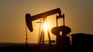 Цените на петрола рухнаха с 25% за броени седмици