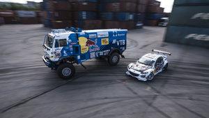 """Дрифт с 9-тонен камион – шампионът в рали """"Дакар"""" показва как (видео)"""