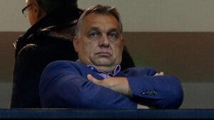 Бившият стратег на Тръмп преговаря с Орбан да му помага за евроизборите